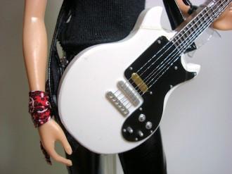detalle_guitar_doll_mylastsin.com