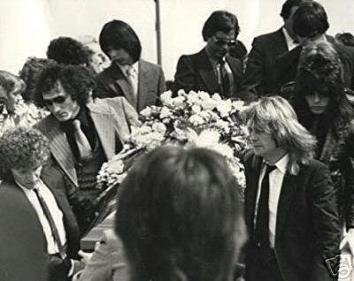 backstage_randy_funeral--fv1wfuwgs1_s638x0_q80_noupscale_grande