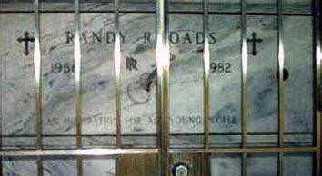mausoleo_randy